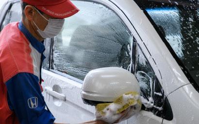 手洗い撥水泡洗車